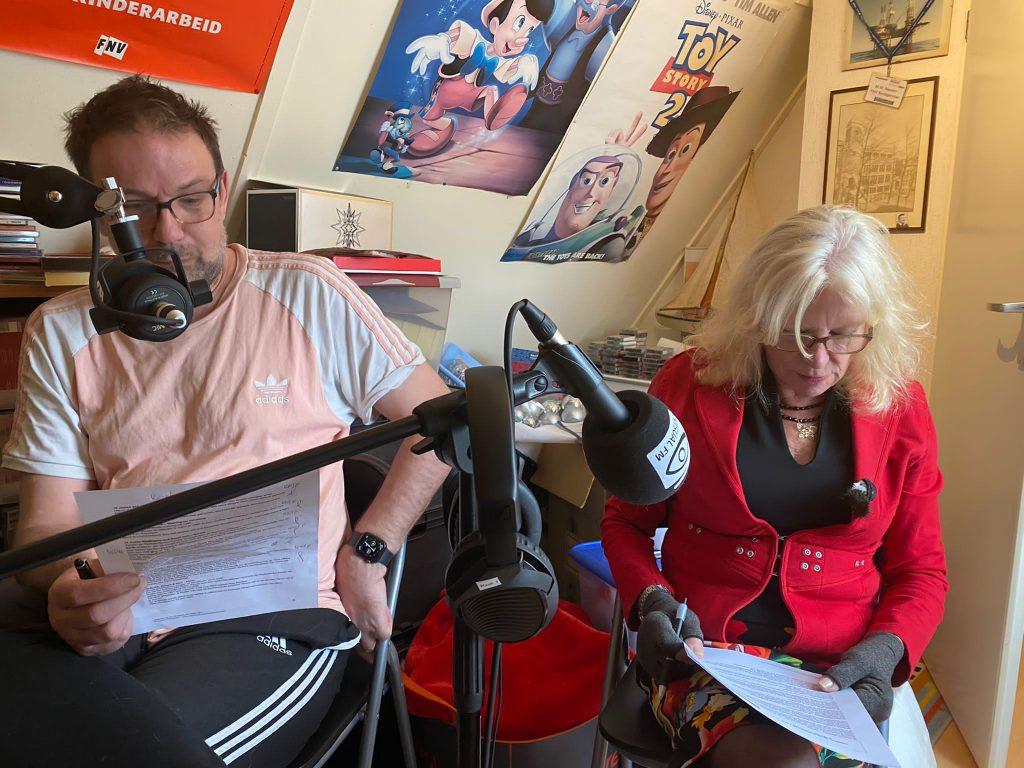 Ik Ron Overtoom & Marina Wiegel in de opname studio van Marike Neesen-Barten
